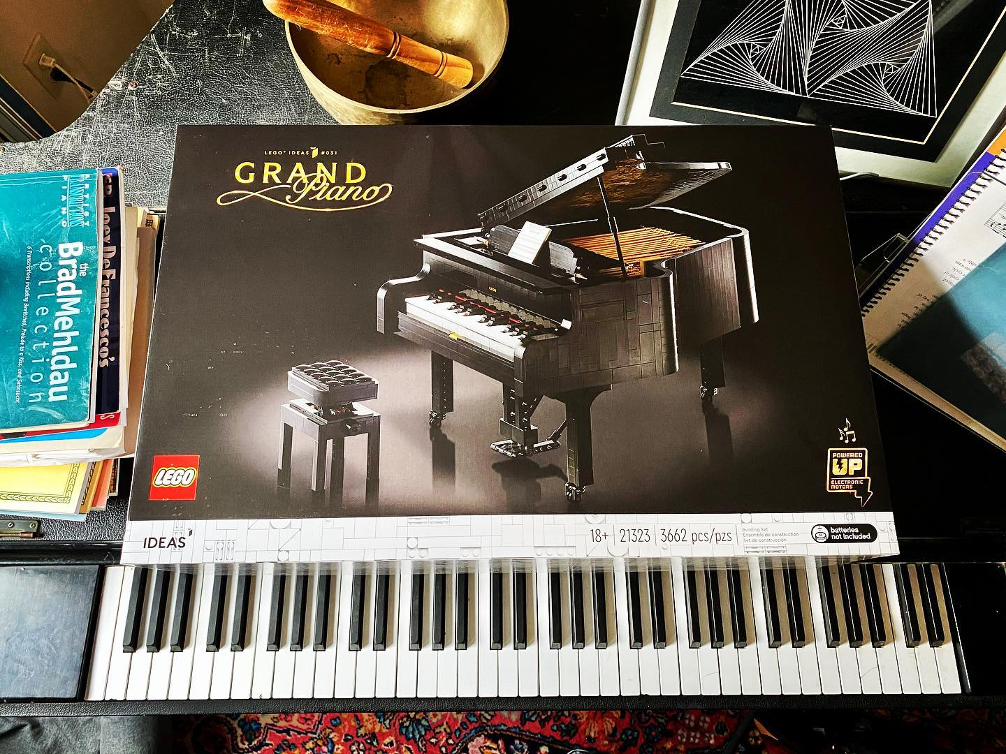 This should keep the family busy.  #legograndpiano #legogram