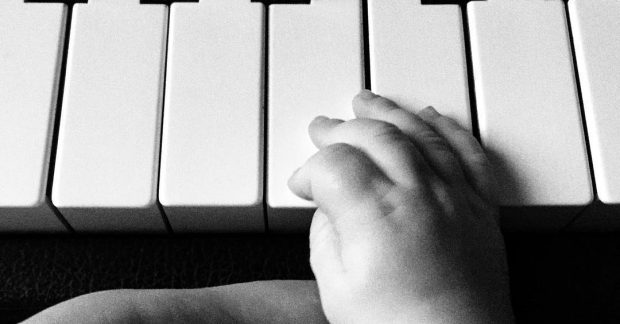 Should be playing in no time. 👶❤️🎹