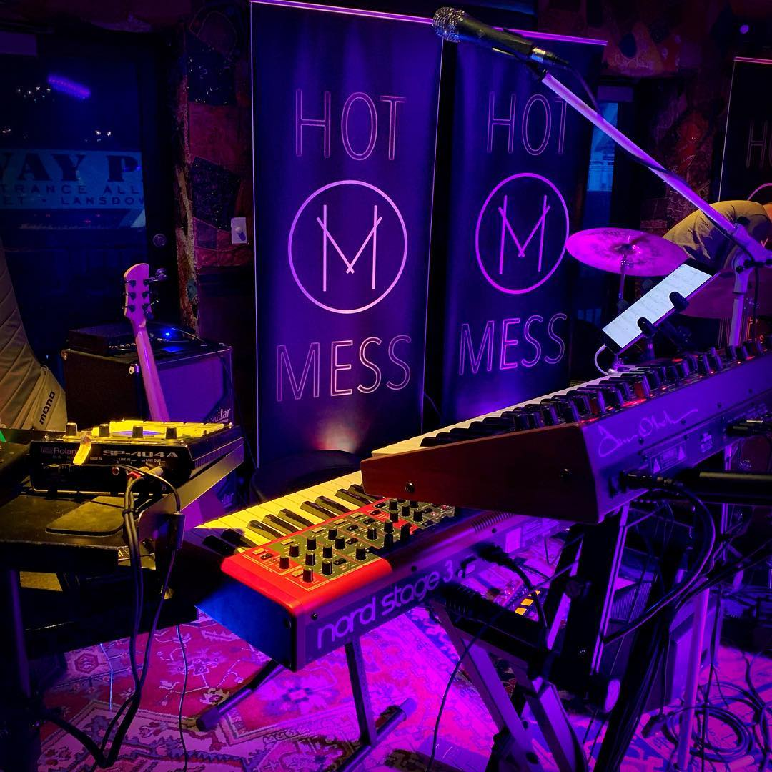 I love playing on nice rugs with @hotmessboston